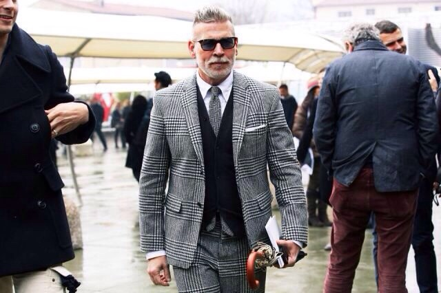 The great Nick Wooster with a fantastic mis-matched patterned 3pc.