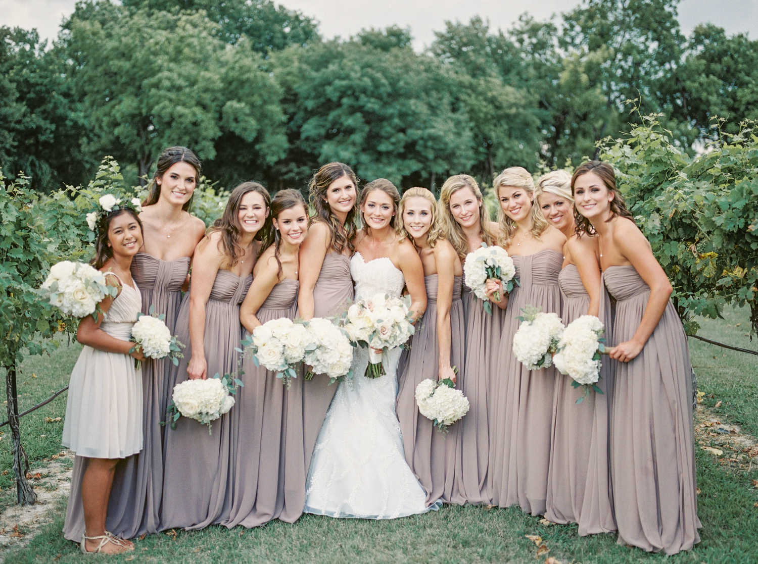 Summer southern wedding at mitas hill vineyard tracy enoch lesiuk wedding240g ombrellifo Choice Image