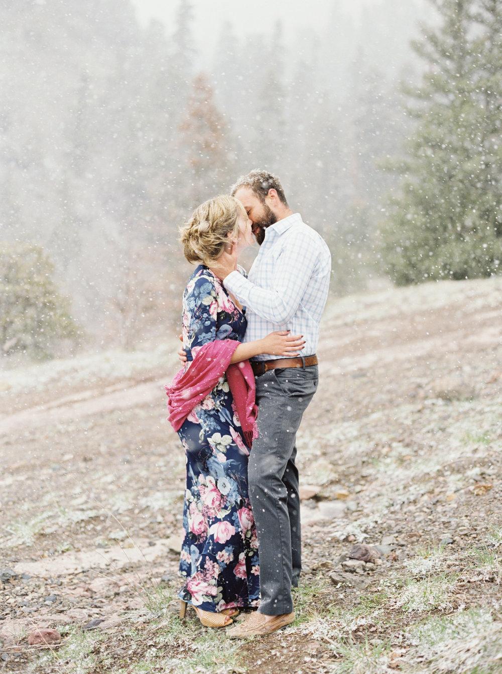 Snowy engagement photos in Colorado, by Dallas destination wedding photographer Tracy Enoch