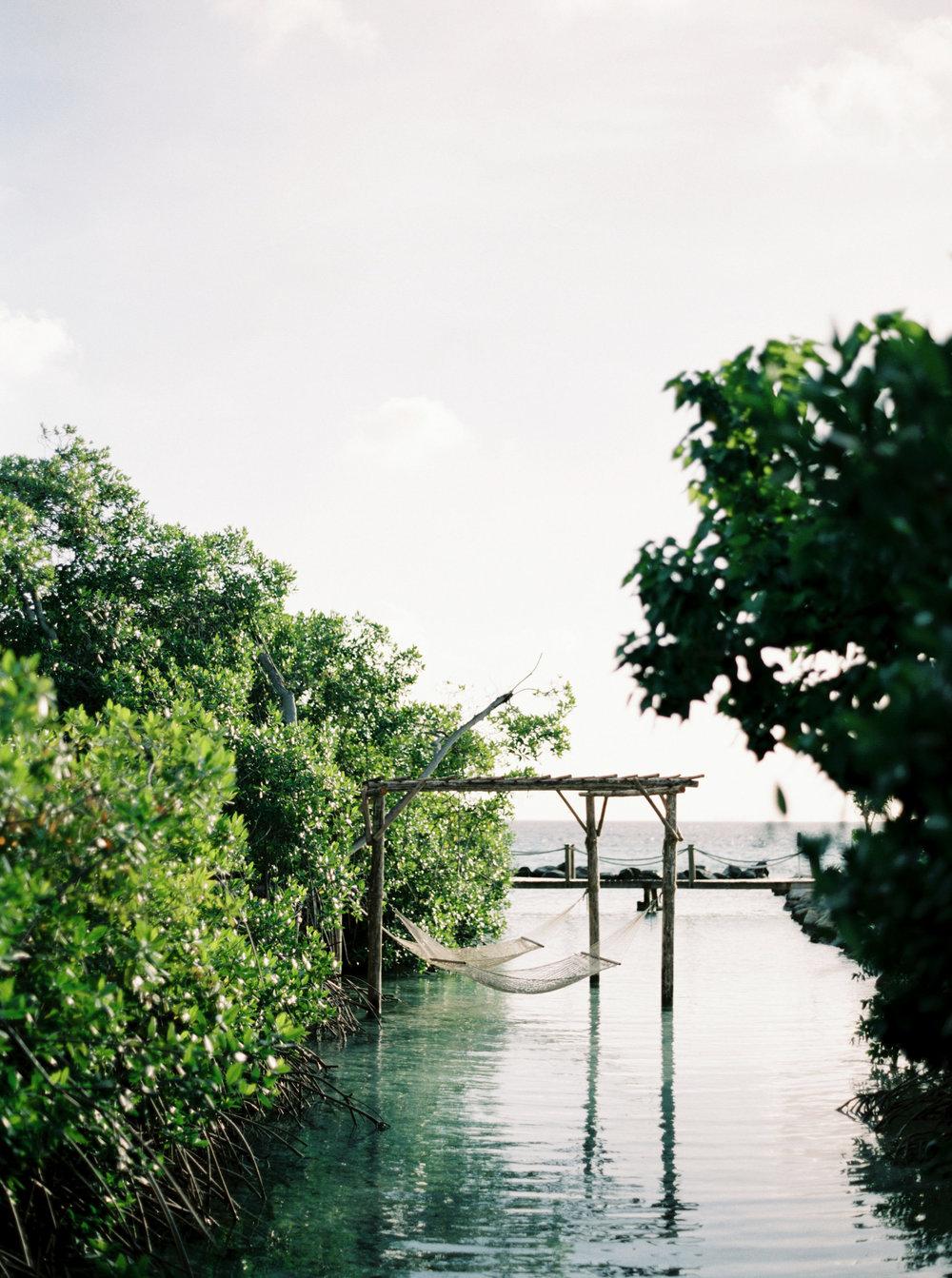 Caribbean destination wedding in Aruba, by Dallas destination wedding photographer Tracy Enoch