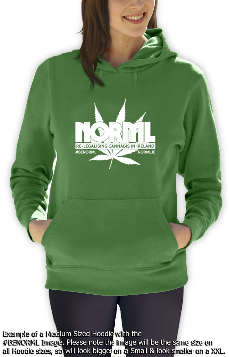 Hoodie green white f.png