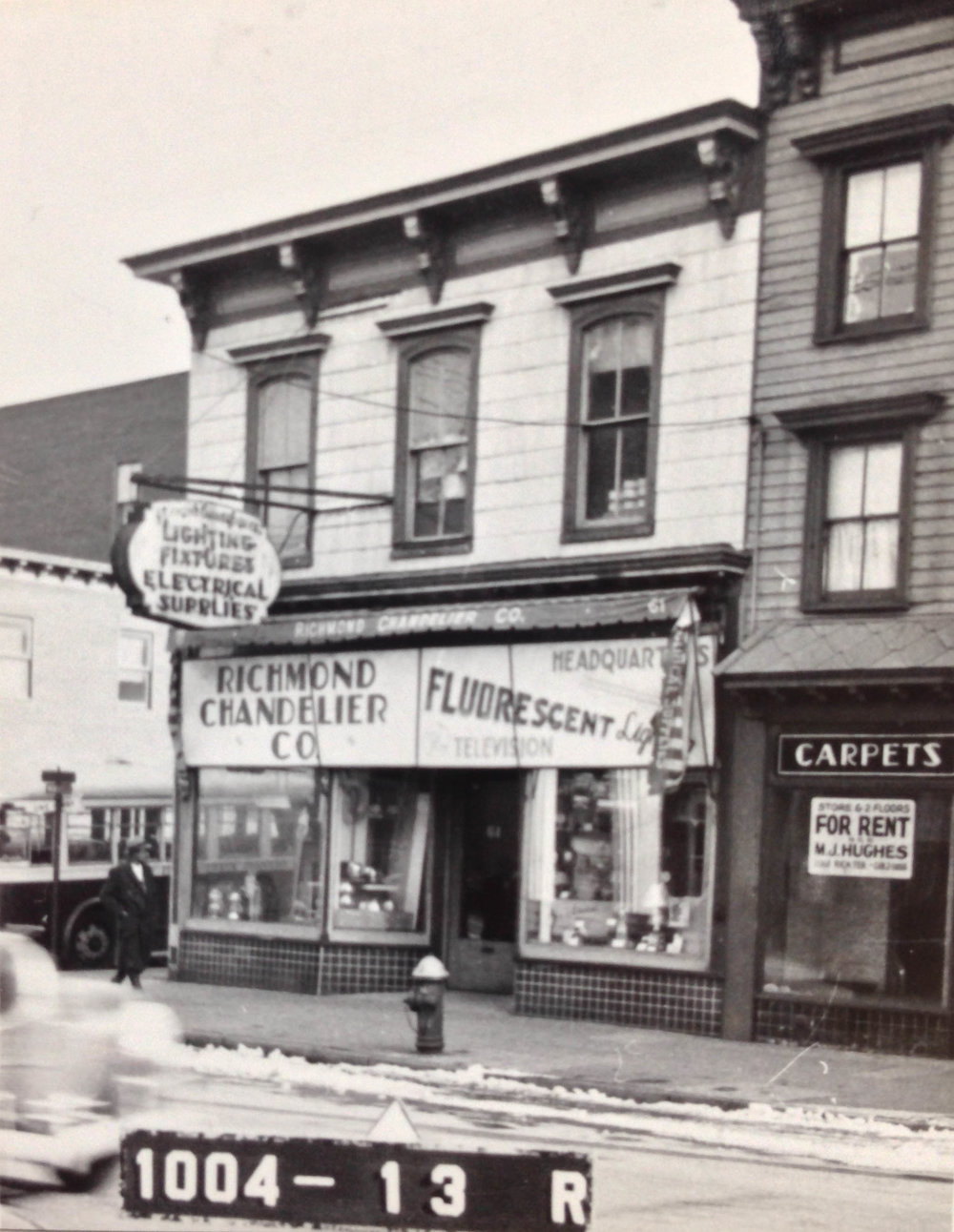 61 Richmond Avenue, Staten Island, circa 1940. Richmond Chandelier opened in 1926, selling lighting fixtures and electoral supplies, and is still there today. Department of Finance Collection, NYC Municipal Archives.