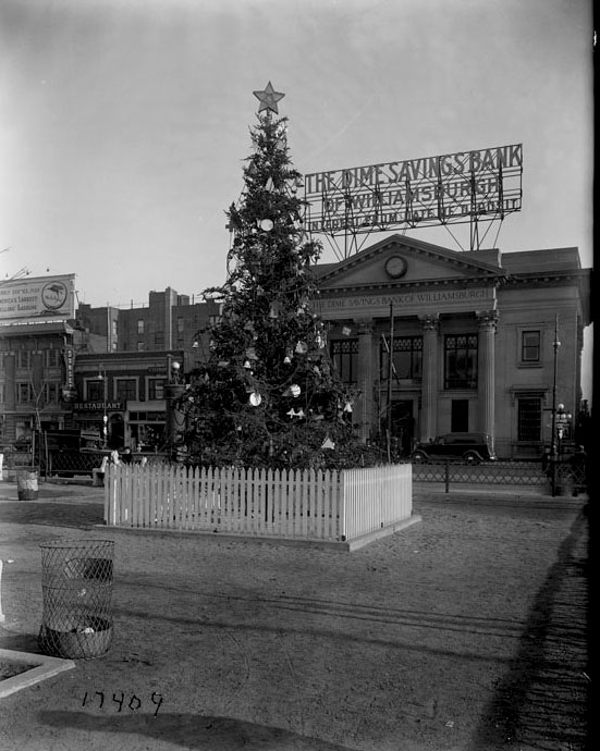 Williamsburg Bridge Christmas tree at Brooklyn Plaza, December 29, 1936. Department of Bridges/Plant & Structures Collection, NYC Municipal Archives.