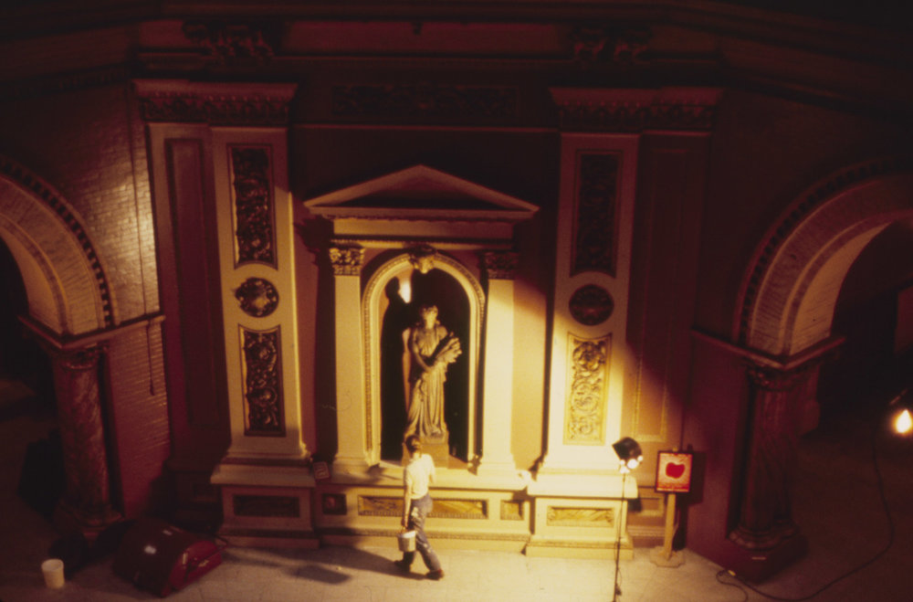 Fake statue inserted in a niche for  The Verdict , in 1982. Photo by Kenneth R. Cobb.