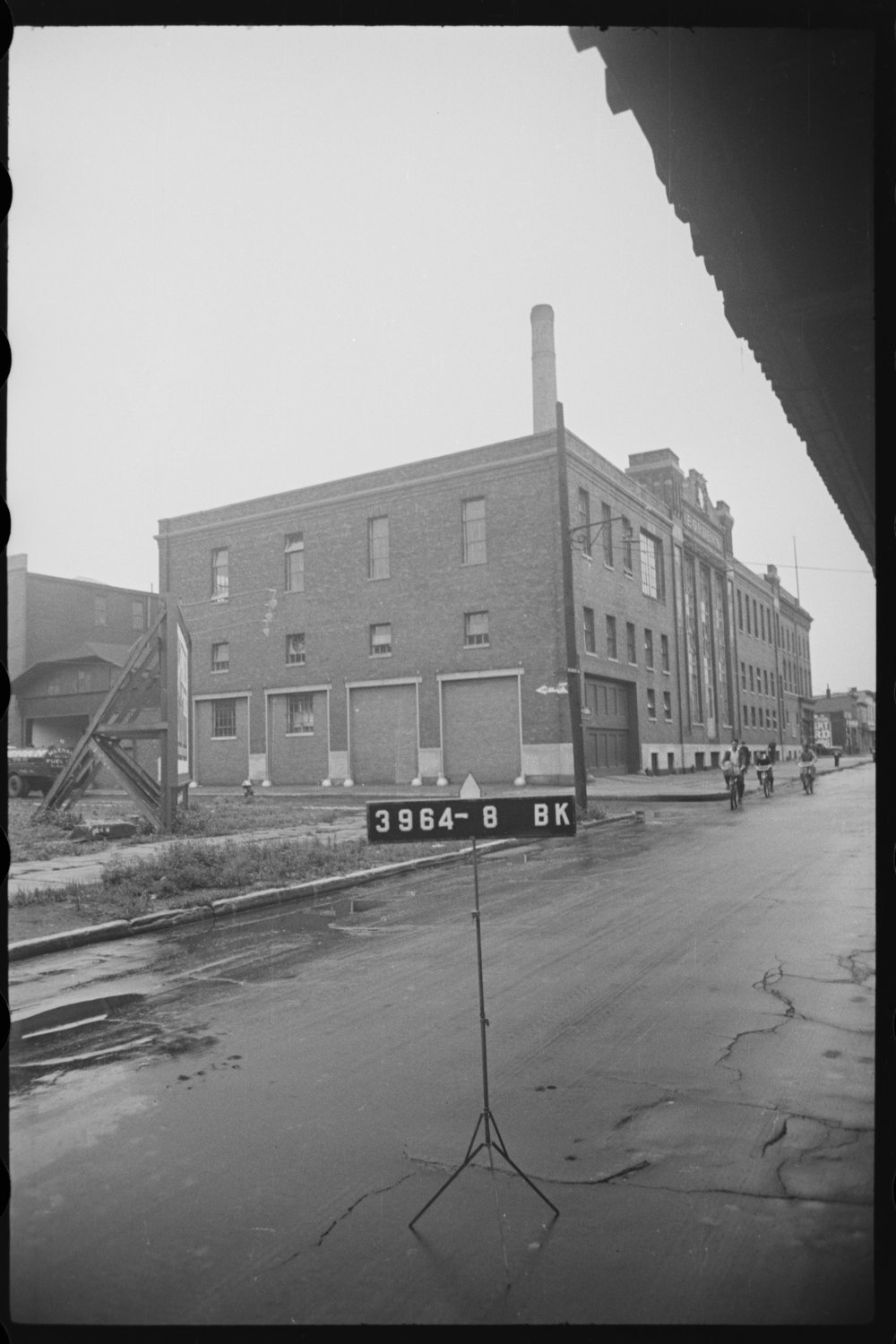 Empire State Dairy Company buildings – the earliest of which was built in 1906-1907. 1940s Tax Photo Collection, NYC Municipal Archives.