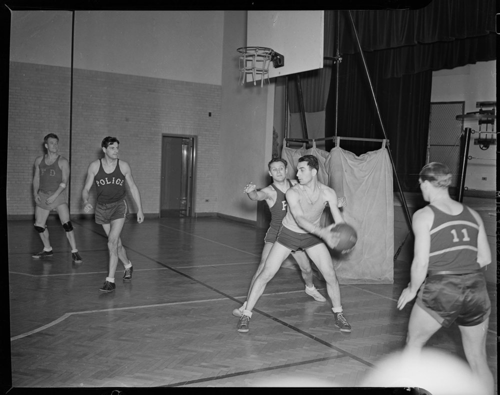 NYPD_d_0032f: Police Department practice game at the Metropolitan Life Insurance gym, March 7, 1939. NYPD Photo Collection, NYC Municipal Archives.