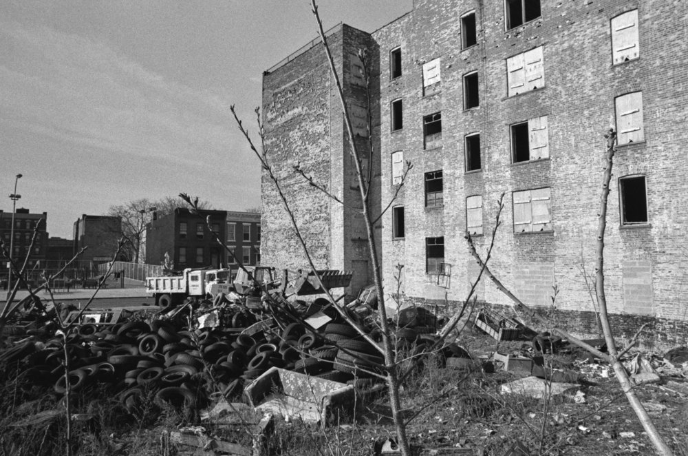 666 Willoughby Avenue, Brooklyn, April 1989. Photograph by Larry Racioppo.