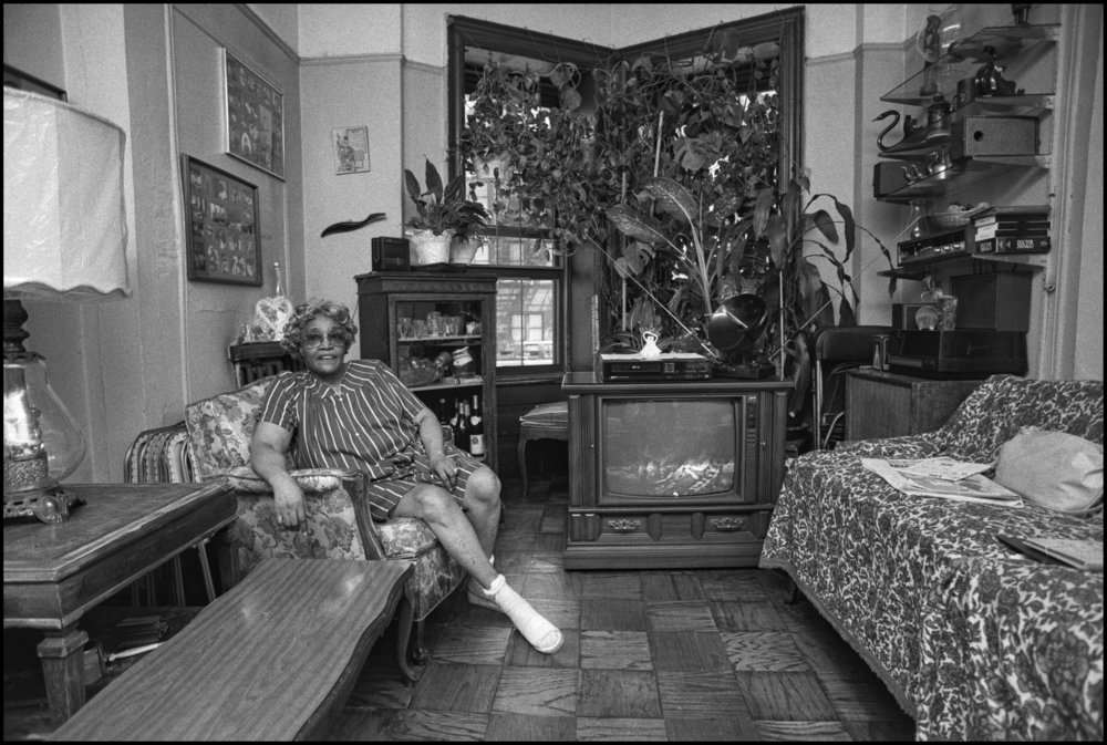 Prospect Heights, Brooklyn, January 1990. Photograph by Larry Racioppo.
