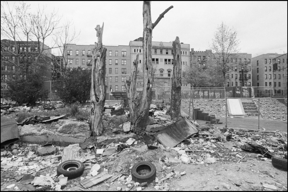 Bronx Neighborhood Preservation Program: West Tremont and University Avenue - Participation Loan Program Building and Partnership site, May 1992. Photograph by Larry Racioppo.