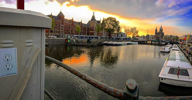 🔌Plug in Amsterdam #whatsyouroutlet #myoutlet #amsterdam