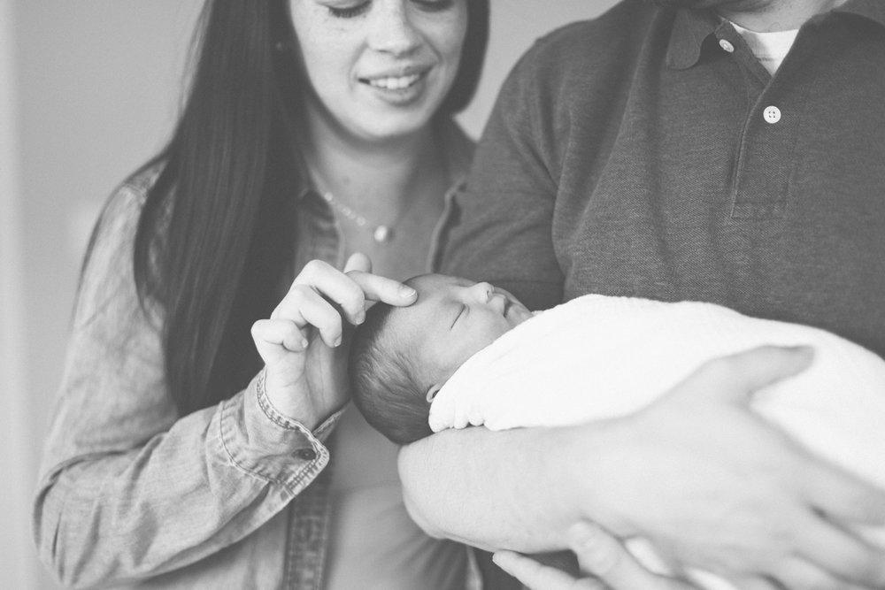 2018.05.23_EleanorNicholas_Newborn_Starks-0031.jpg