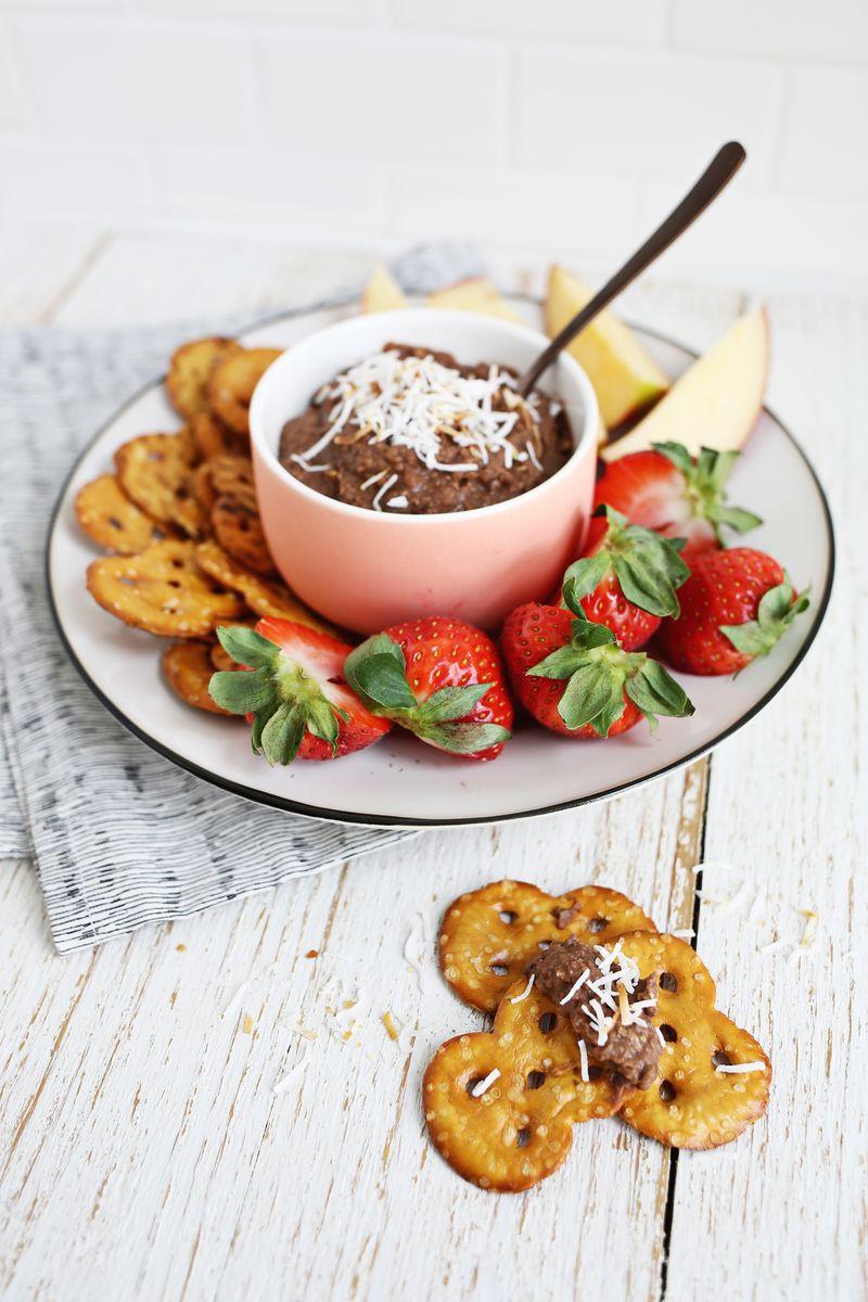 Image: Califia Farms -Chocolate Coconut Cookie Dip