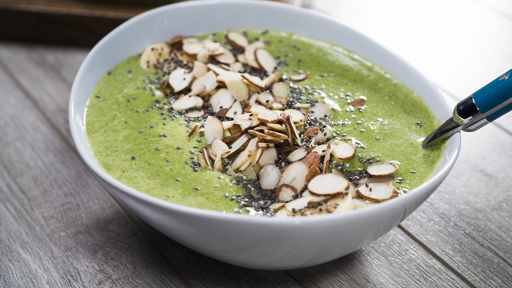 Image: Califia Farms - Banana & Pear Green Smoothie Bowl