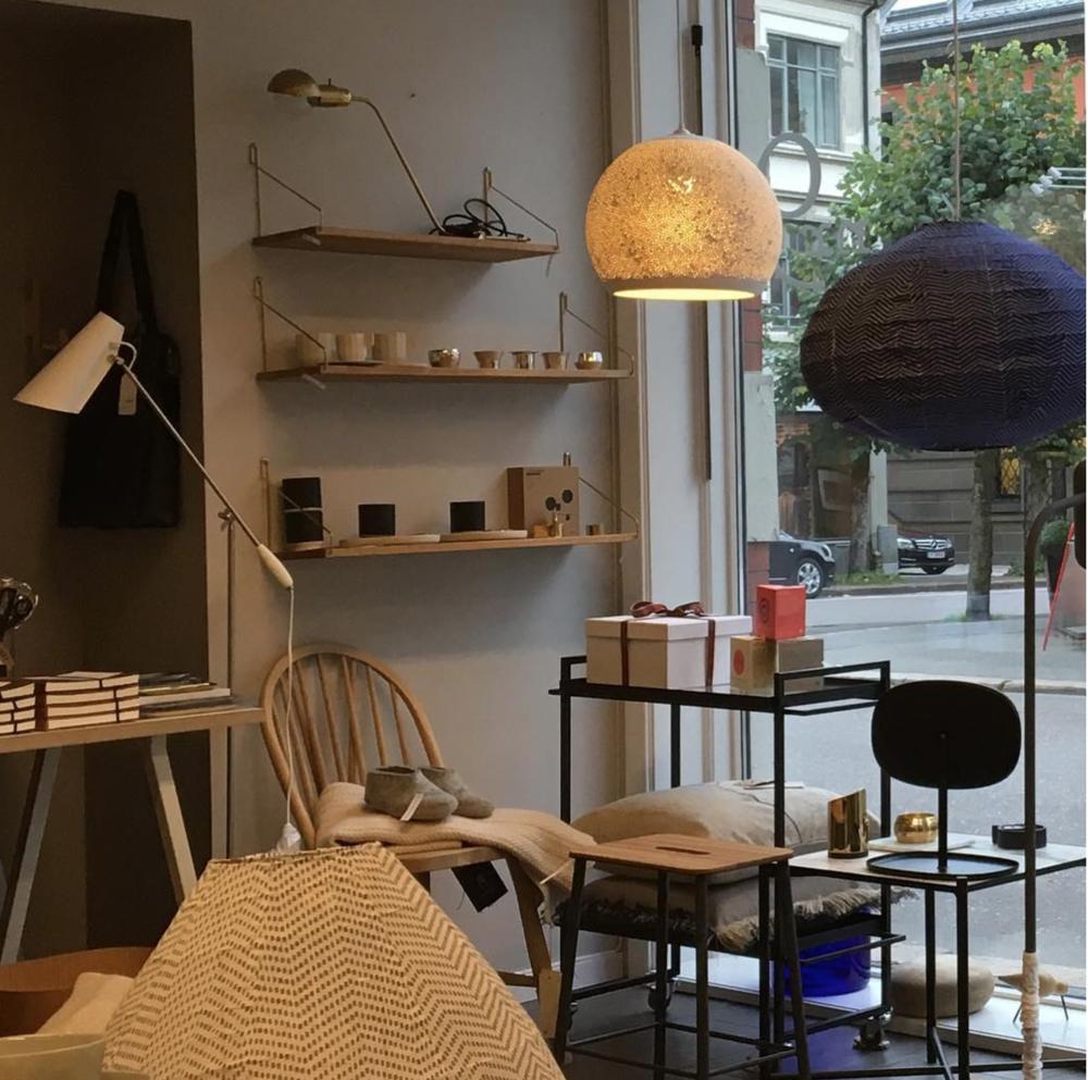 """Fra Nr.9 i Sandefjord, en perle av en butikk med et utvalg produkter som er nøye satt sammen med slagordet """"chosen by heart""""."""