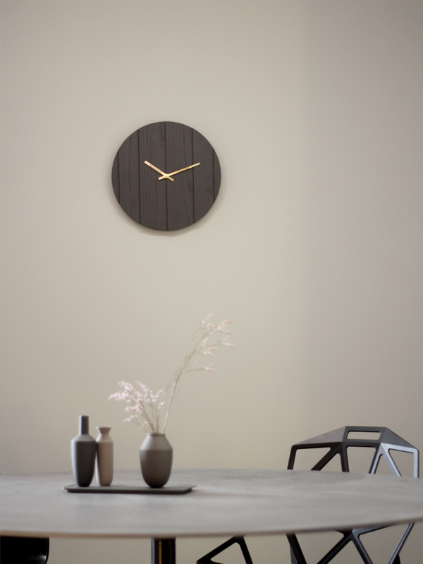 Parallels wall clock