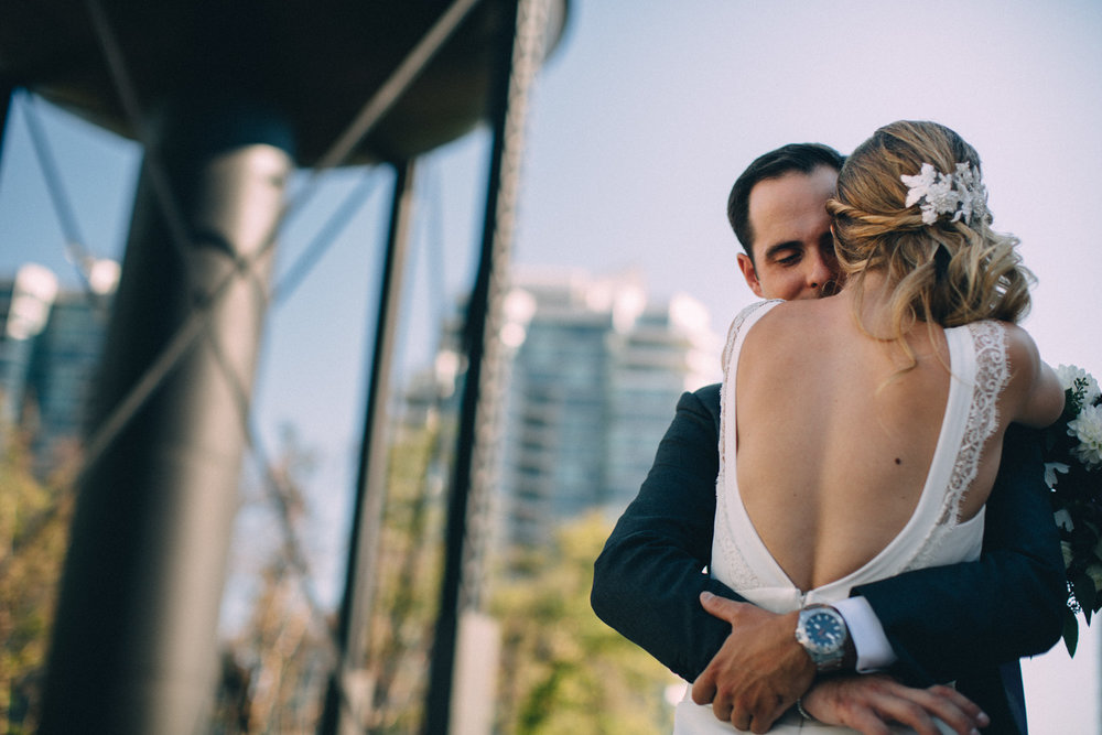 Steam-Whistle-Brewery-wedding-photos-Toronto-wedding-photography-by-Sam-Wong-of-Artanis-Collective_34.jpg