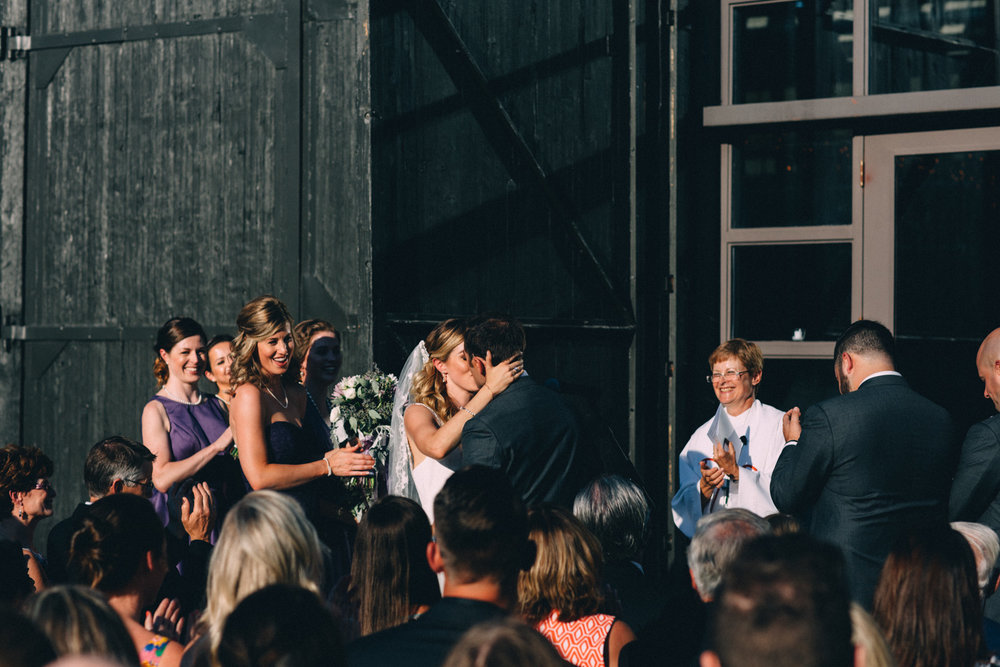 Steam-Whistle-Brewery-wedding-photos-Toronto-wedding-photography-by-Sam-Wong-of-Artanis-Collective_38.jpg