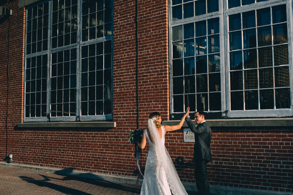 Steam-Whistle-Brewery-wedding-photos-Toronto-wedding-photography-by-Sam-Wong-of-Artanis-Collective_39.jpg