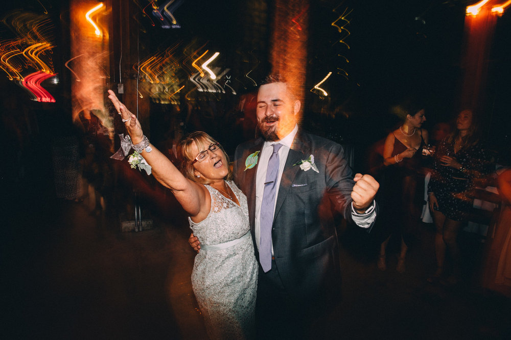 Steam-Whistle-Brewery-wedding-photos-Toronto-wedding-photography-by-Sam-Wong-of-Artanis-Collective_63.jpg