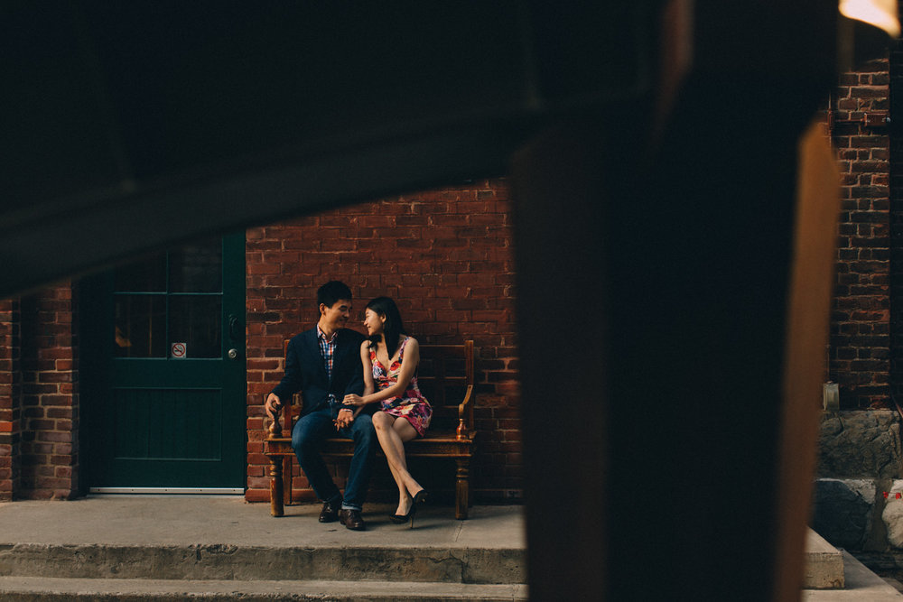 Distillery-District-engagement-photos-Toronto-wedding-photography-by-Sam-Wong-of-Artanis-Collective_020.jpg