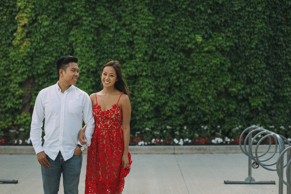 Queens-University-engagement-session-Kingston-Christine-and-Michael-by-Sam-Wong-of-Artanis-Collective_012.jpg