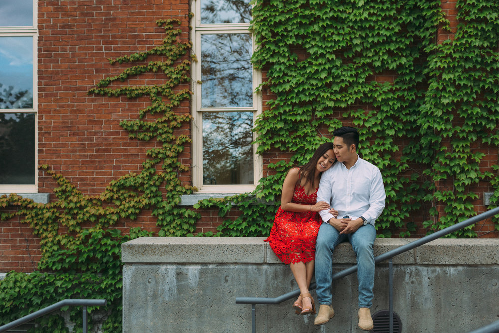 Queens-University-engagement-session-Kingston-Christine-and-Michael-by-Sam-Wong-of-Artanis-Collective_011.jpg