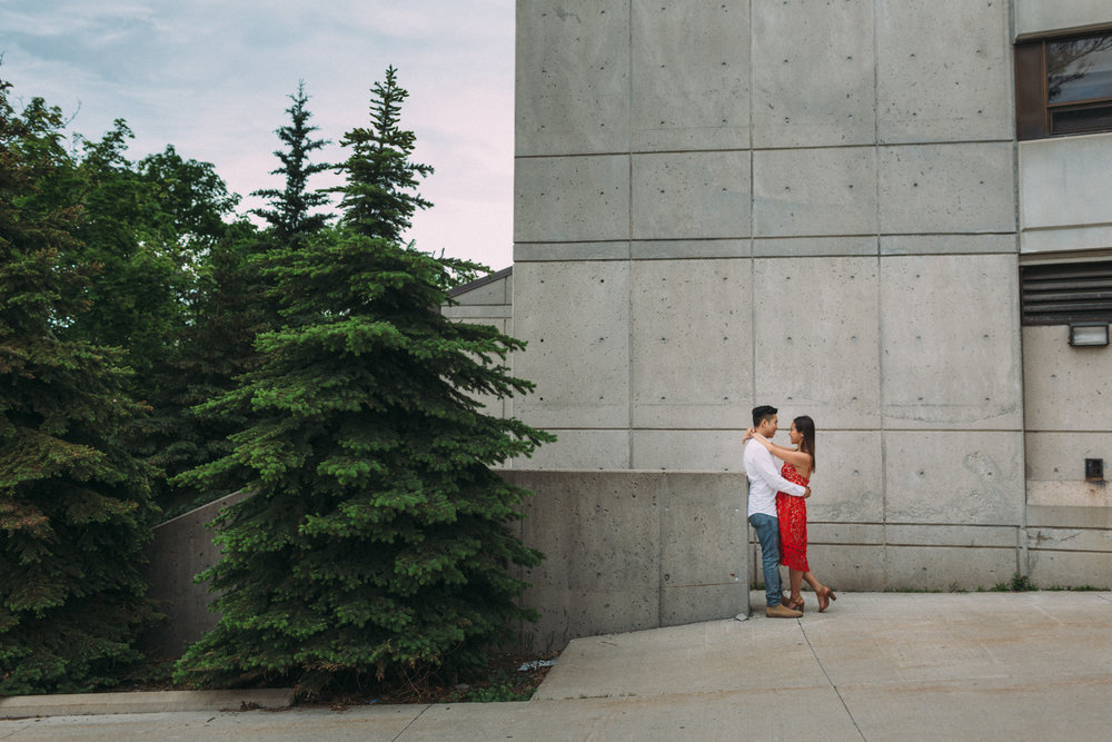 Queens-University-engagement-session-Kingston-Christine-and-Michael-by-Sam-Wong-of-Artanis-Collective_013.jpg