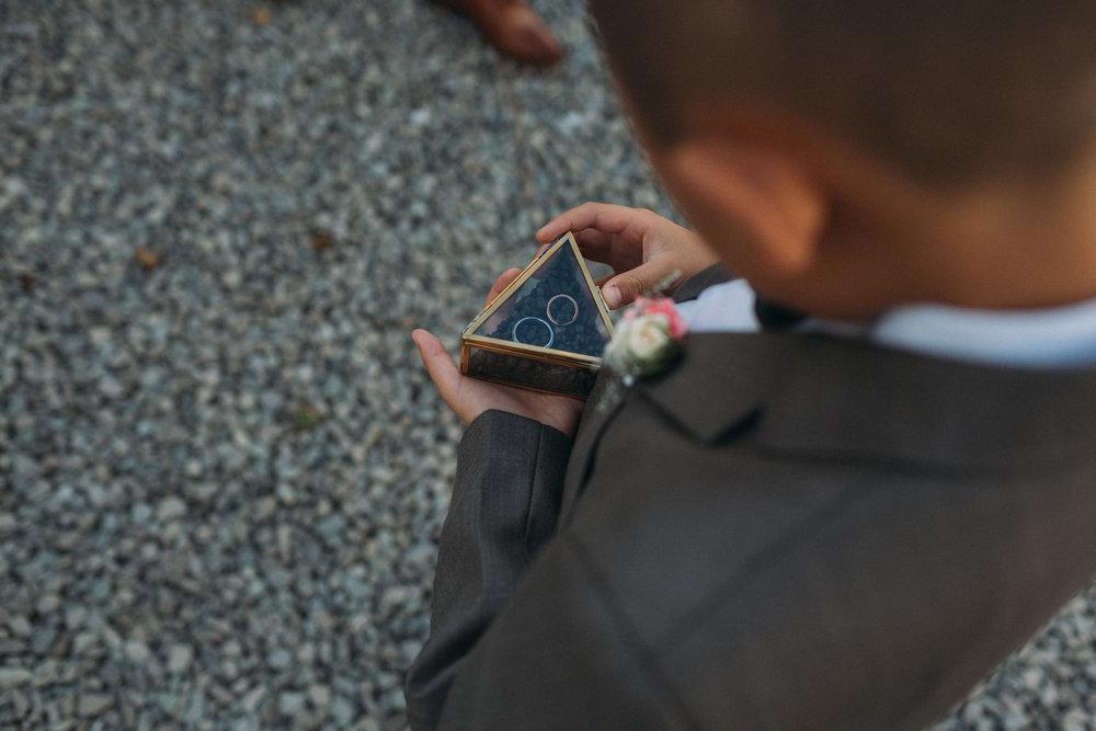 Belcroft-Estates-&-Event-Centre-wedding-photography-by-Sam-Wong-of-Artanis-Collective_035.jpg