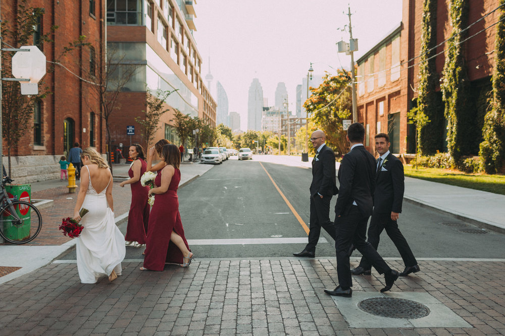 Thompson-Landry-Gallery-wedding-photos-Toronto-by-Sam-Wong-of-Artanis-Collective-Polina-Zarko_0025.jpg