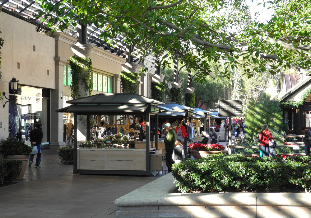 Luxury outdoor retail at its best sand mountain for Exterior standalone retail