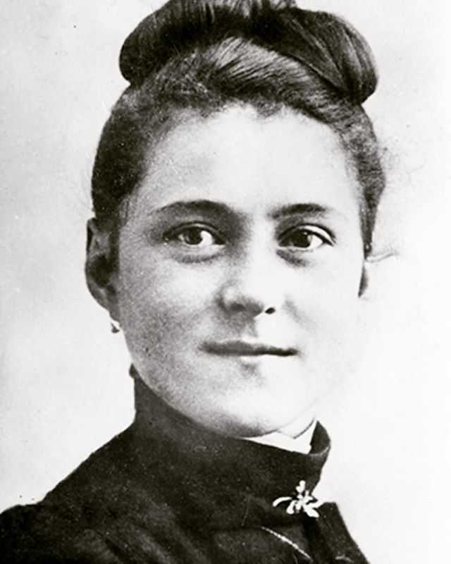 Today is the feast day of St Therese of Lisieux. St Therese had a simple and sweet devotion to Jesus, which she called 'the little way'. She offered every insignificant little part of her day (laundry, making meals, talking with a neighbor) to the Lord knowing that it was just as important to Our Lord as the heroic and great deeds of missionaries. She never ventured far from her convent in the 9 years she was a carmelite sister- and she delighted in the fact she was little (not well known). After her death, her sisters spread her devotion far and wide, and her way of life has been so moving and guided so many to be in relationship with Our Lord that the Church declared St Therese a Doctor if the Church. St Therese of Lisieux, lead us on the little path towards Heaven. St Therese, pray for us!