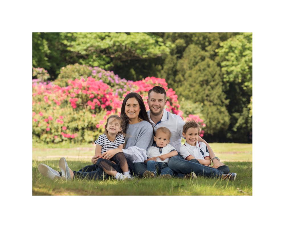 family photo shoot under tree