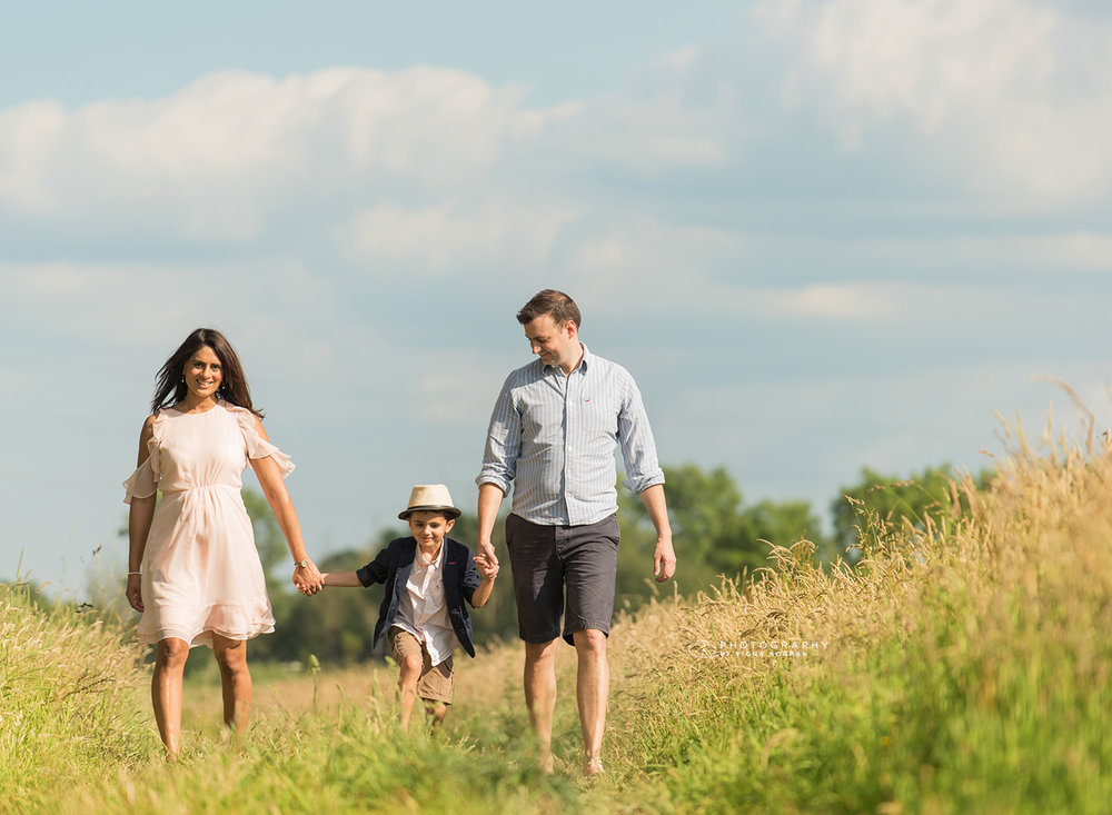 family photograph holding hands_berkshire.jpg