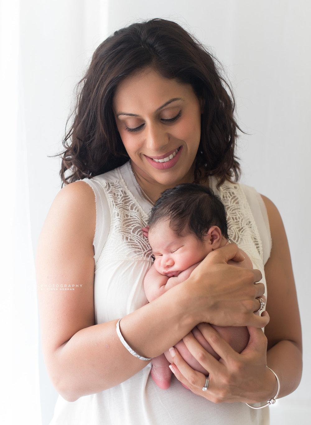 mummy with baby girl_berkshire.jpg
