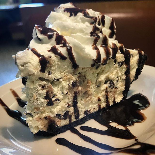 Homemade Chocolate Chip Cookie Dough Pie 😍😍 #minerdunn #chocolatechipcookiedough #homemade #pie #dessert #onlythebest #highlandindiana #yum #youremakingmehungry