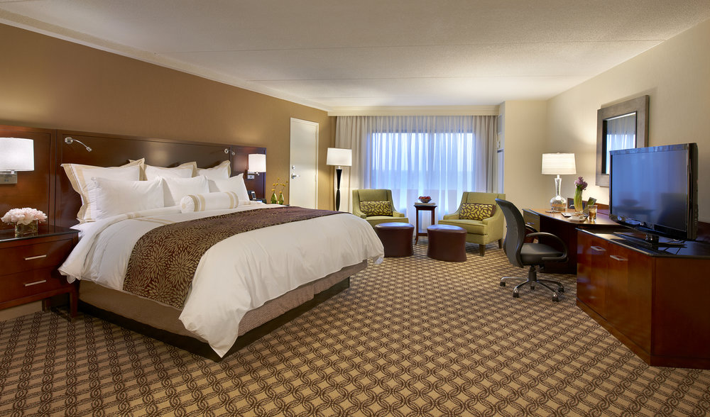 Marriott Naperville_Guest Room #1.jpg