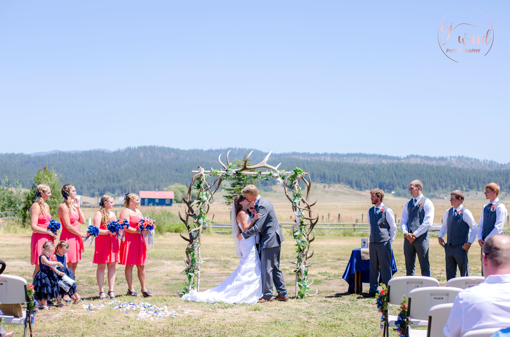 Boise-Wedding-Photographer-Mountain-Wedding-CJ-Ward-Photography-16.png