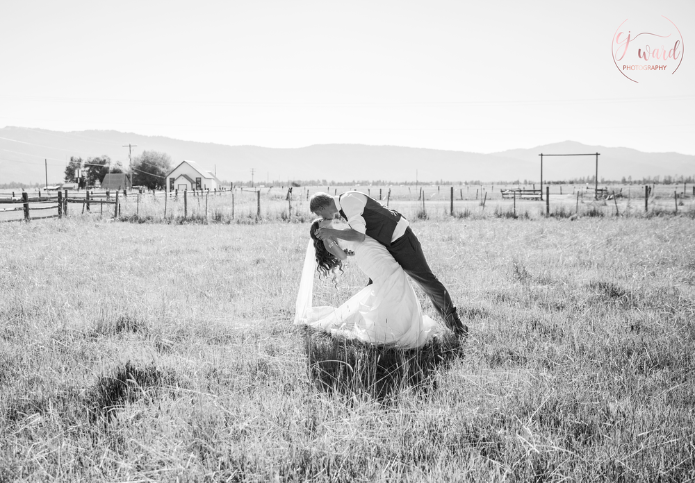 Boise-Wedding-Photographer-Mountain-Wedding-CJ-Ward-Photography-10.png