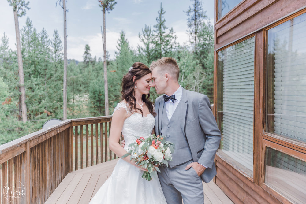 Boise-Wedding-Photographer-McCall-Idaho-Bond-Wedding-Bear-Creek-Lodge-CJ-Ward-Photography-5.jpg