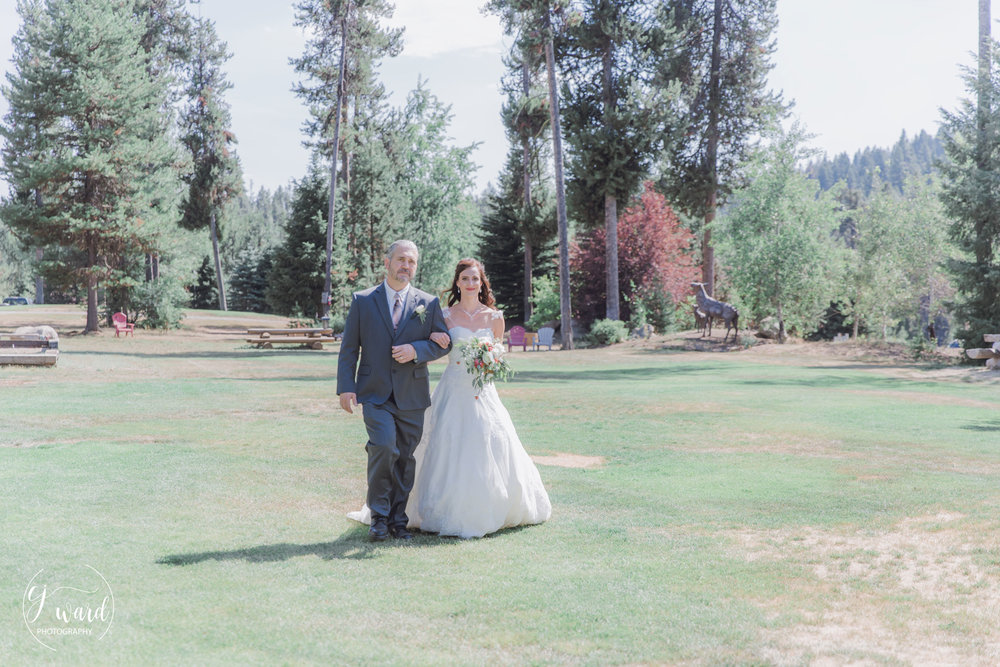 Boise-Wedding-Photographer-McCall-Idaho-Bond-Wedding-Bear-Creek-Lodge-CJ-Ward-Photography-11.jpg