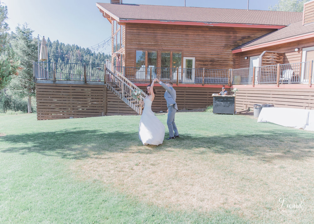 Boise-Wedding-Photographer-McCall-Idaho-Bond-Wedding-Bear-Creek-Lodge-CJ-Ward-Photography-19.jpg