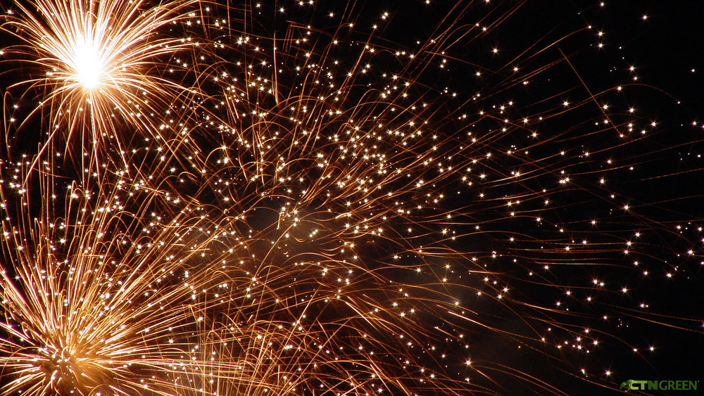 Fireworks-Screen-Savers-Photos-Freebee-653134.jpg