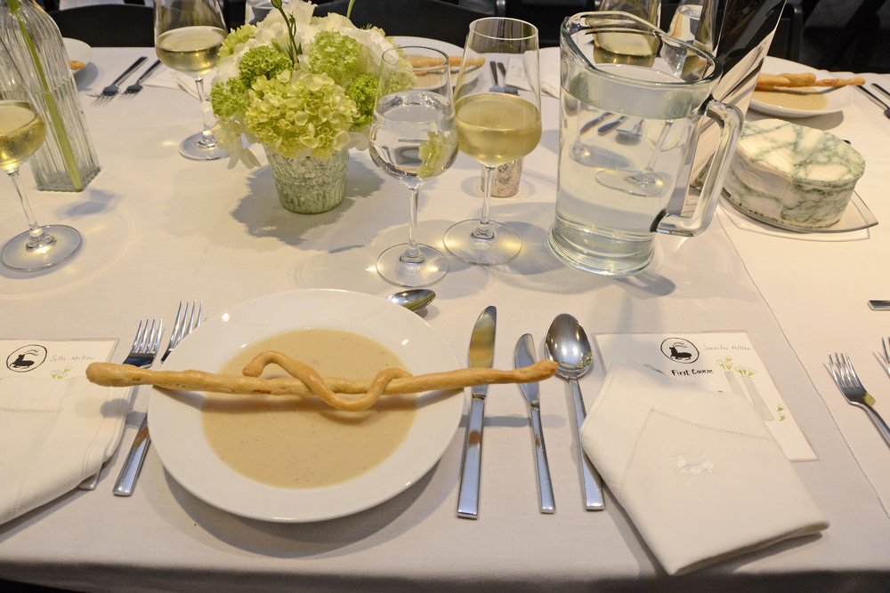 Chilled cauliflower soup with a bridge-stick modelled after Hadid's Sheikh Zayed Bridge was served as the first course.