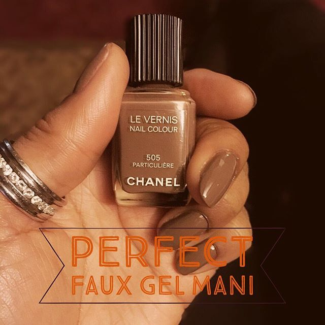 Today on the #blog perfect faux #gel #manicure at home! http://goo.gl/fNaSBE #verylastthing #chanelnails #nails #zoya #essie