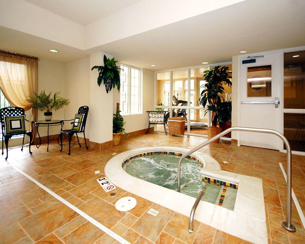 Wildwood Hotel - Pool _ Spa (6).jpg