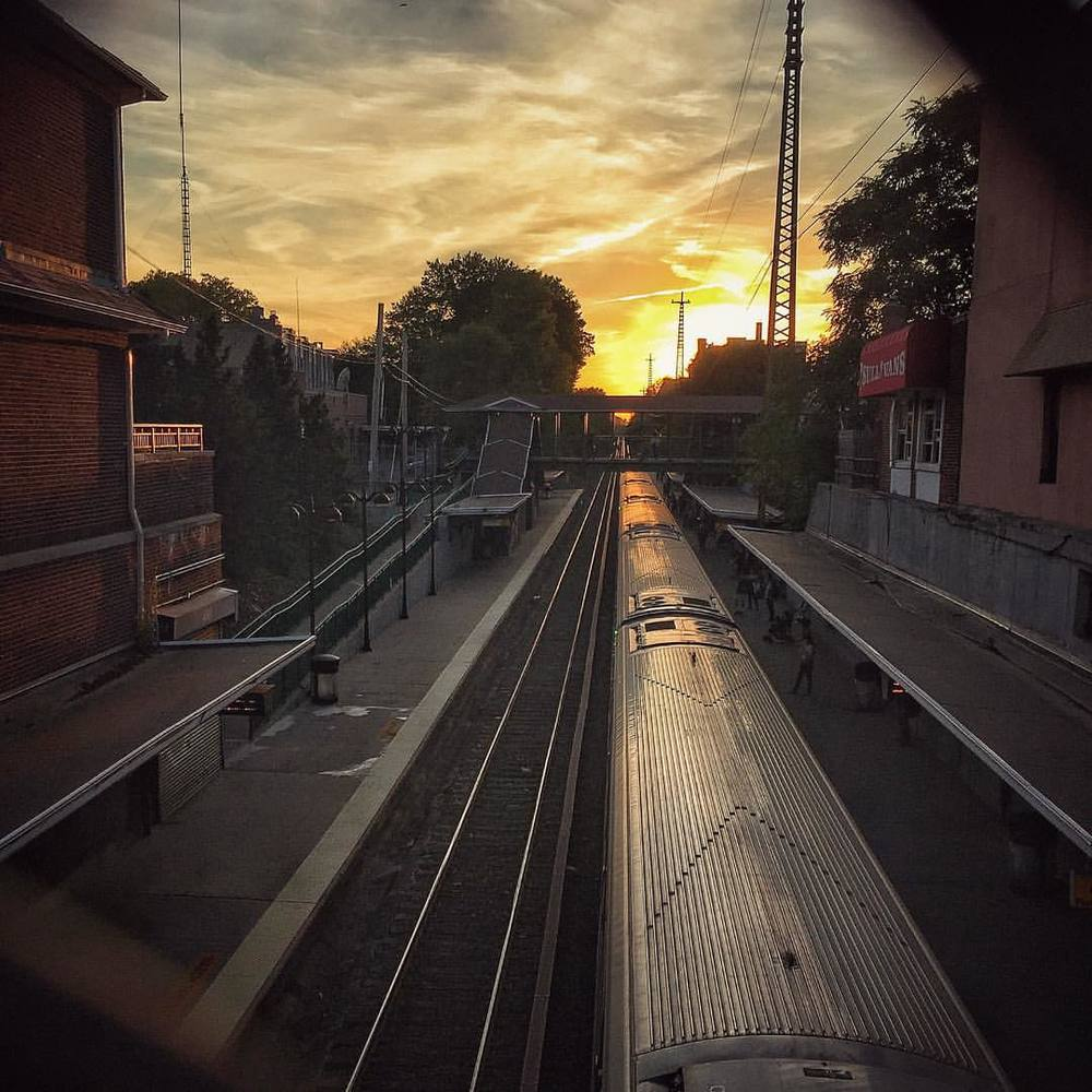 #Friday #night. Waiting for the #train at #sunset #nyclife #nycprimeshot #queens #bayside #nyc #photography