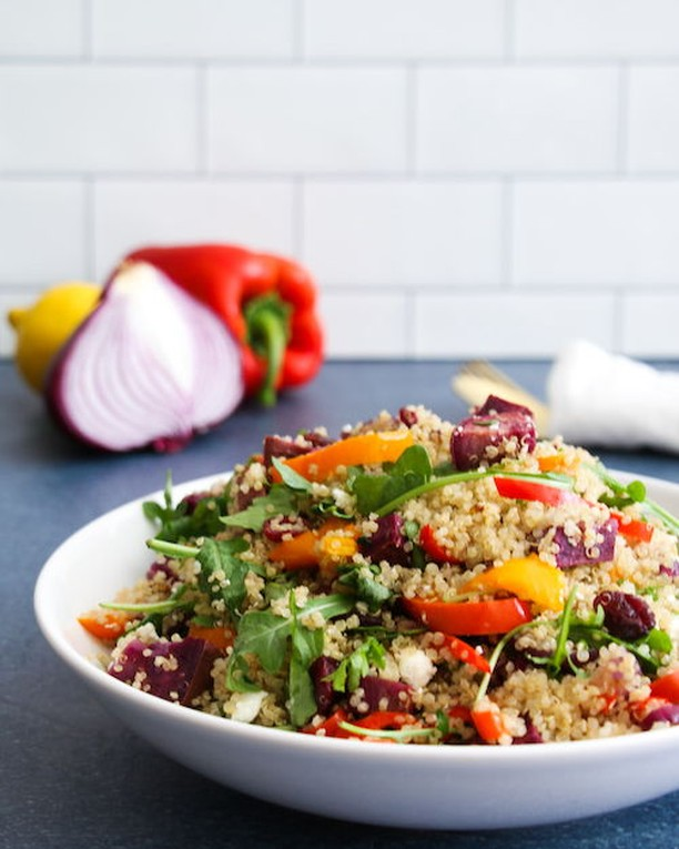 [NEW] on the blog: How to create New Year's resolutions that stick + this wholesome roasted veggie quinoa salad. Over the last couple of weeks this recipe has become one of our household favorites. It's the kind of dish you can make once and enjoy all week long. Happy 2019!⁣ ⁣ #dietitian #nutritionist #eattherainbow #vegetarian #plantbased #healthyfoodshare #nourish #glutenfree #superfood #nourishing #feedfeedglutenfree #eatyourgreens #antioxidants #quinoa #eatrealfood #foodblogger #lifestyleblog #glutenfreelife