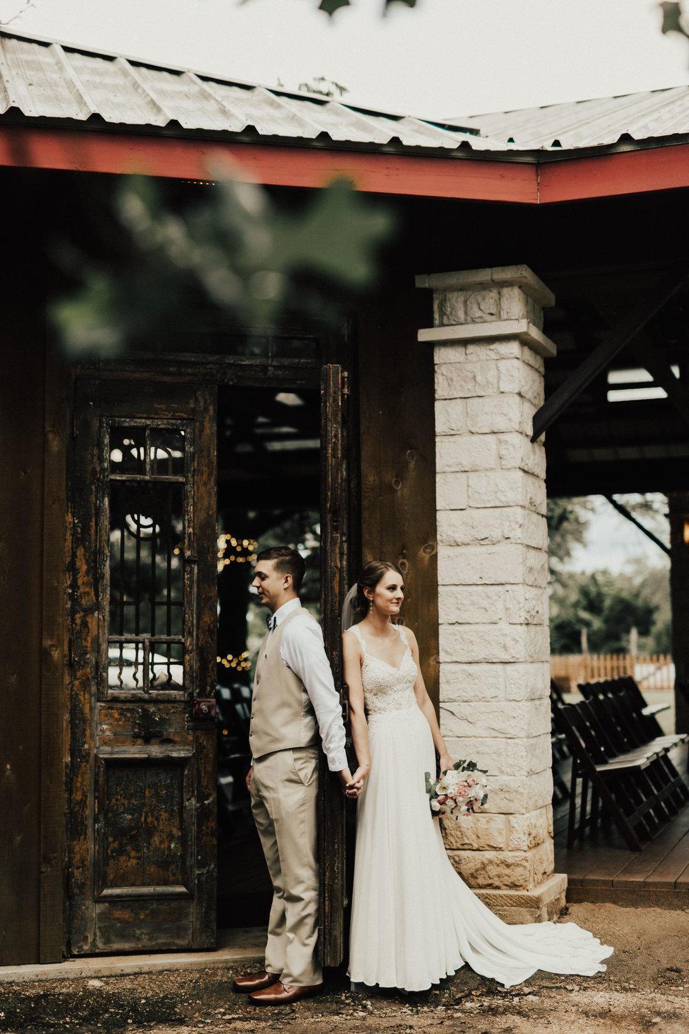 HAILEY-TIM-wedding-photographer-kindred-oaks-texas-326.jpg