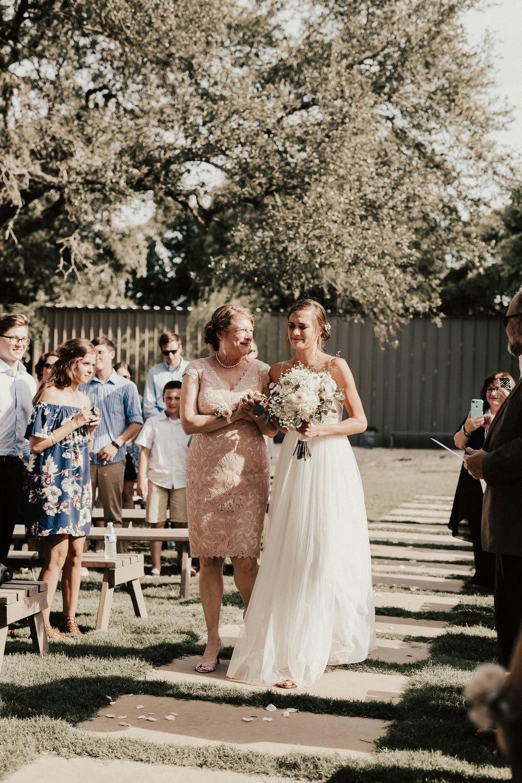 hannah-ben-stonehouse-villa-austin-texas-wedding-photographer-380.jpg