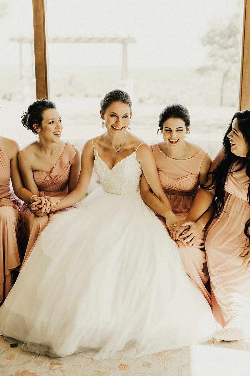 megan-joel-canyonwood-ridge-dripping-springs-texas-wedding-photographer-getting-ready-250.jpg